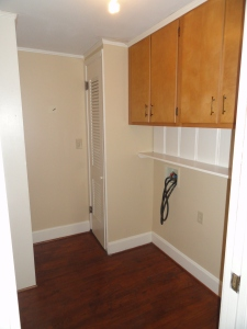 428 Sunny Lane Utility Room with washer dryer hookups and 2 wood cabinets